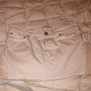 Free People white jean skirt size 27